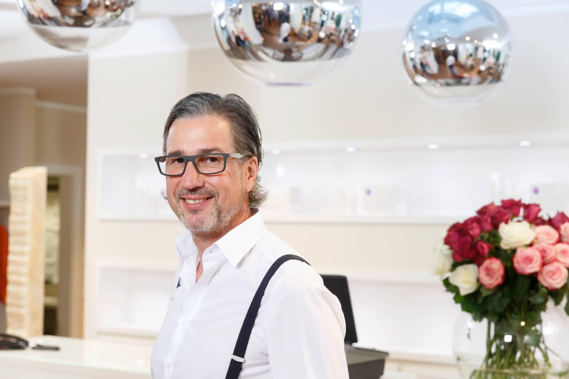 Franz Reicheneder, Friseursalon und Schönheitszentrum Straubing